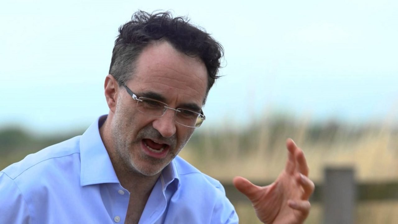 Is Noel Fitzpatrick married to a wife? His Net Worth