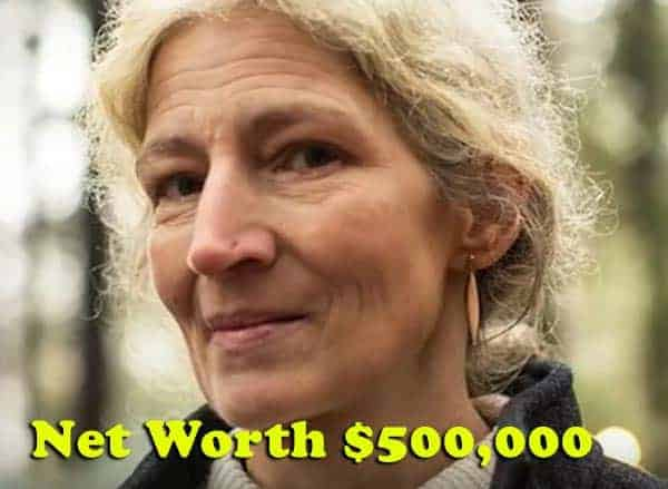 Image of Ami Brown net worth is $500,000