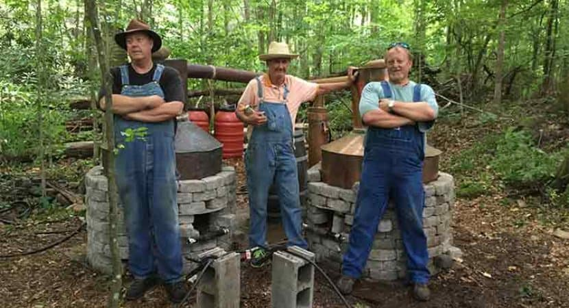 Image of Moonshiners Cast Net Worth and Salary.