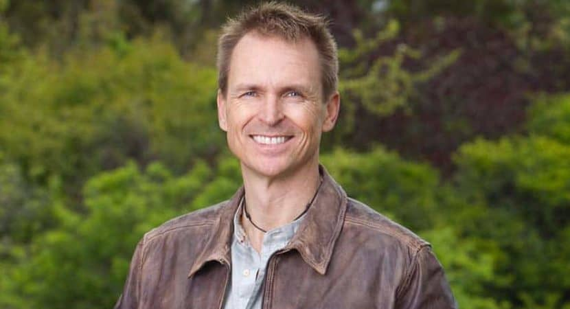 Image of Phil Keoghan Net Worth, Salary, Wife, Gay, Height.