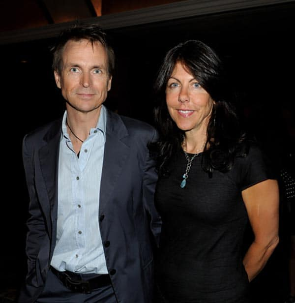 Image of Phil Keoghan with his wife Louise Rodrigues
