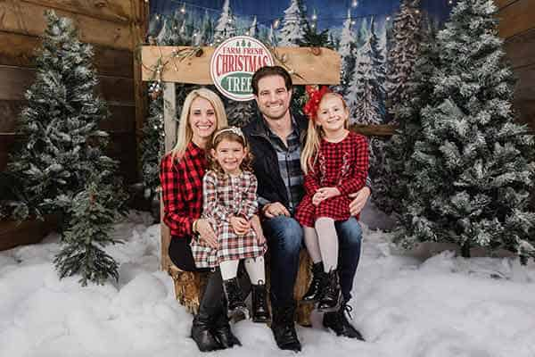 Image of Scott McGillivray with his wife Sabrina McGillivray and their kids