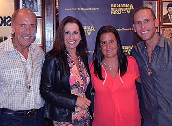 Image of Ashley Broad with her brother Seth, father Les Gold and mother Lili Gold