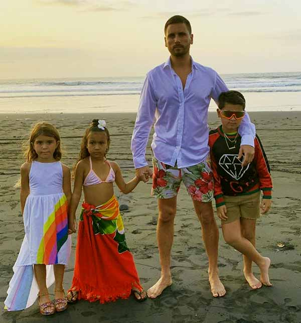 Image of Scott Disick with their kids