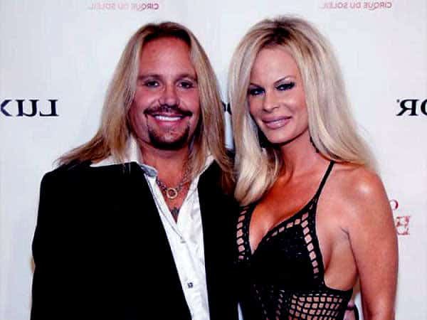 Image of Vince Neil with his fourth wife Lia Gerardini
