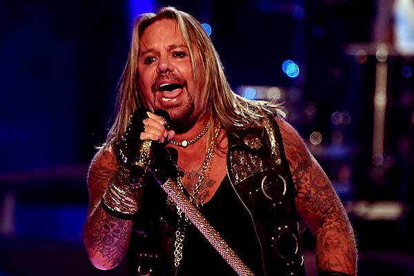 Image of Vince Neil from The Aviators show