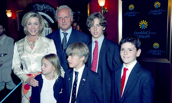 Image of Deborah Norville with her husband Karl Wellner and with their kids