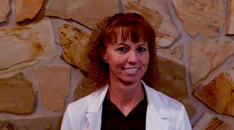 Image of Dr. Elizabeth Leave Dr. Pol after the Tragic Death of her Husband. Know What Happened