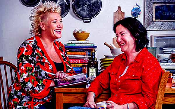 Image of Koren Grieveson with her partner Anne Burrell