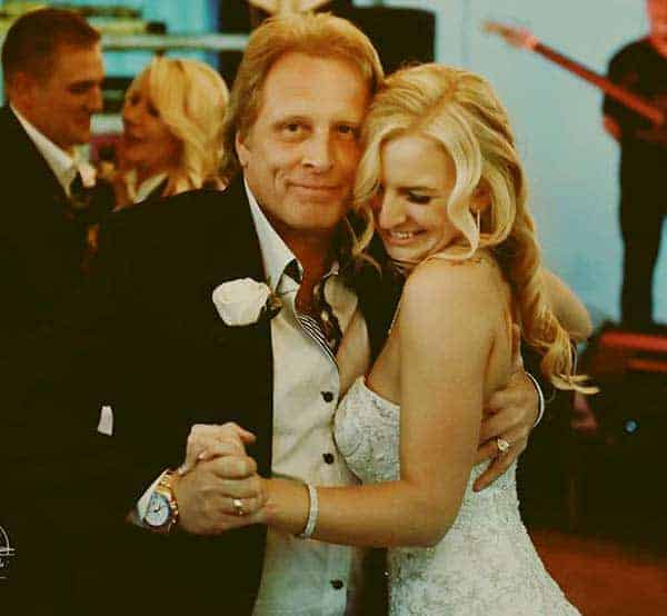 Image of Mandy Hansen with her father Sig Hansen