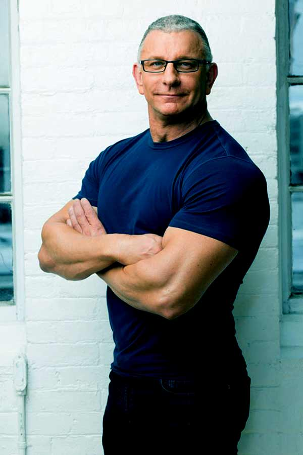Image of Robert Irvine height is 6 feet 2 inches