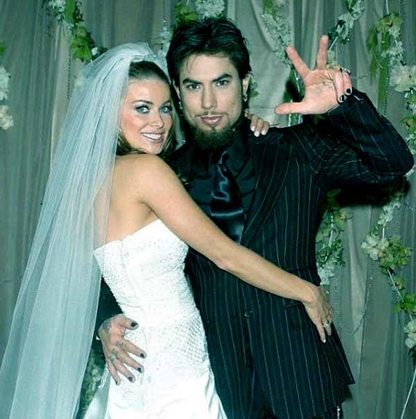 Image of Dave Navarro with his third wife Carmen Electra