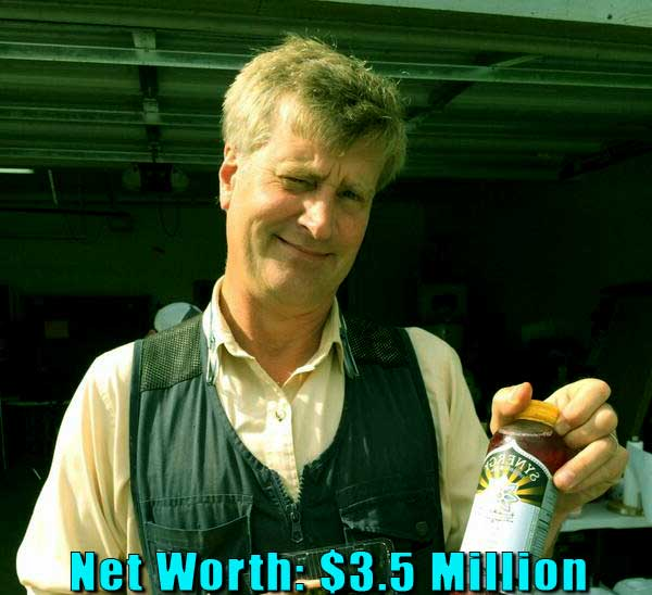 Image of American actor, Pete Nelson net worth is $3.5 million