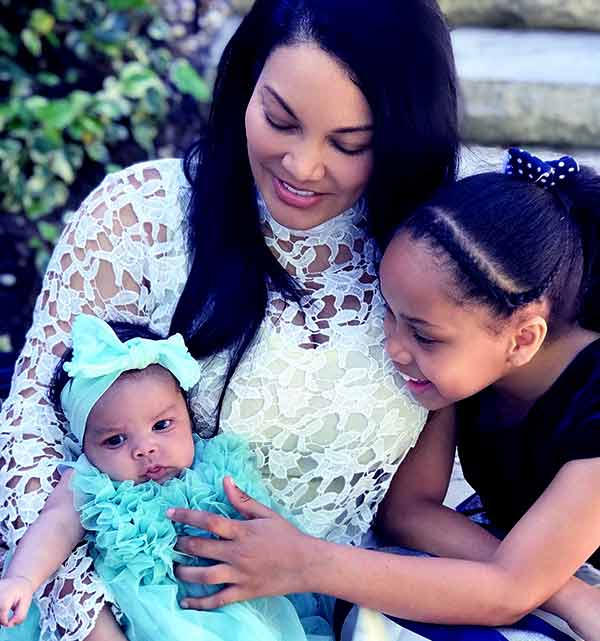 Image of Egypt Sherrod with her kids Kendall and Harper Jackson