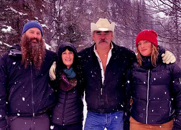 Image of Marty Raney with his wife (Mollee Roestel), daughter (Misty Raney) and son (Matt Raney)