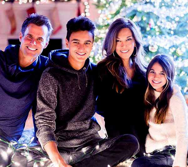 Image of Vanessa Arevalo with her husband Cameron Mathison and with their kids