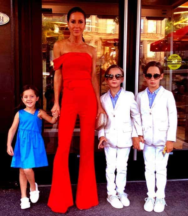 Image of Jessica Brownstein with her kids daughter (Isabel Veronica Mulroney) and twins son (Brian Gerald Alexander Mulroney) and (John Benedict Dimitri Mulroney)