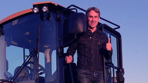 Image of American Pickers cast Mike Wolfe still alive fit and healthy