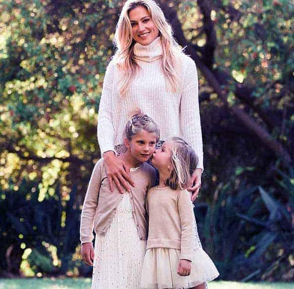 Image of Cassandra Marino with her kids Isabella, Francesca