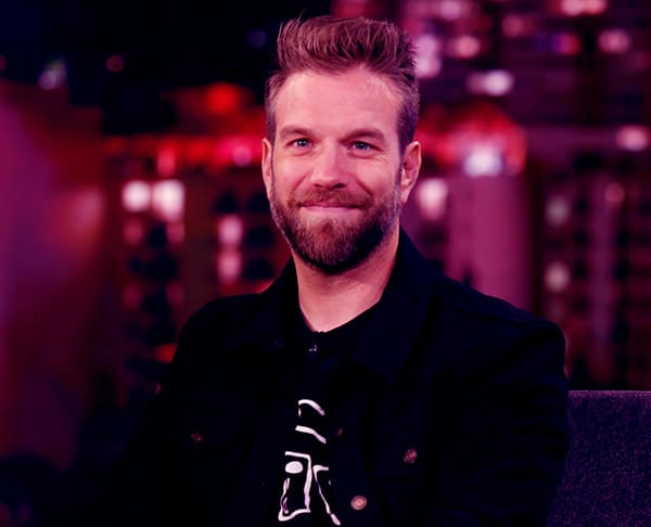 Image of Stand up comedian, Anthony Jeselnik is currently single now