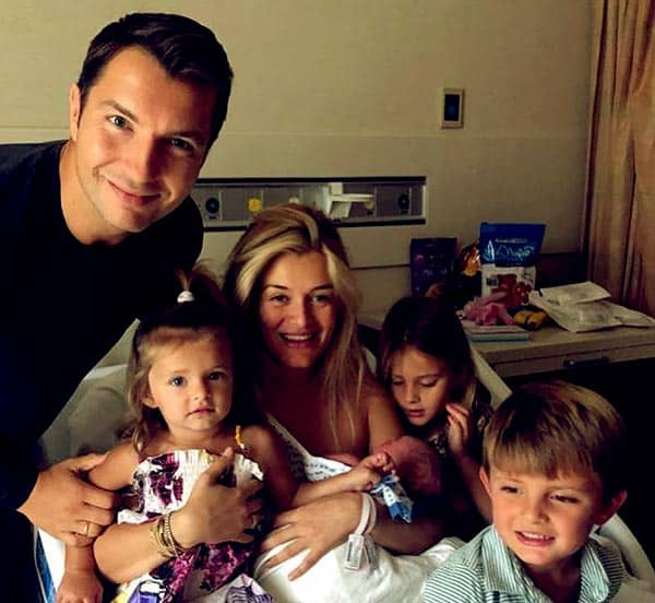 Image of Daphne Oz with her husband John Jovanovic , kids and with their new born baby
