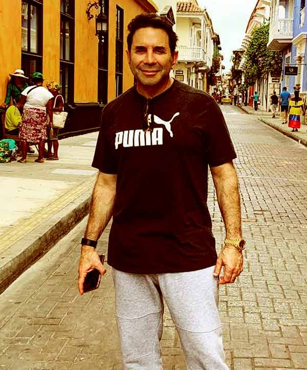 Image of Dr. Paul Nassif height is 5 feet 1 inch