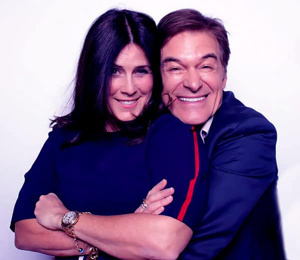 Image of Dr. Mehmet Oz with his wife Lisa Oz