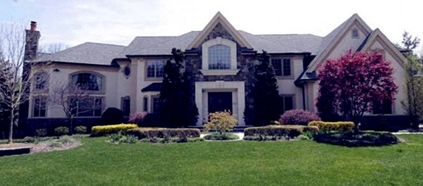 Image of TV Personality, Jacqueline Laurita house