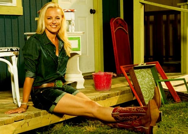 Image of Jenny Grumbles from the TV series, Storage Wars Texas