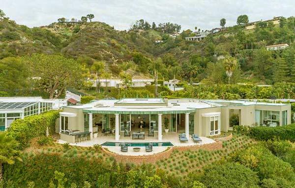 Image of Portia de Rossi and Ellen DeGeneres house Beverly Hills