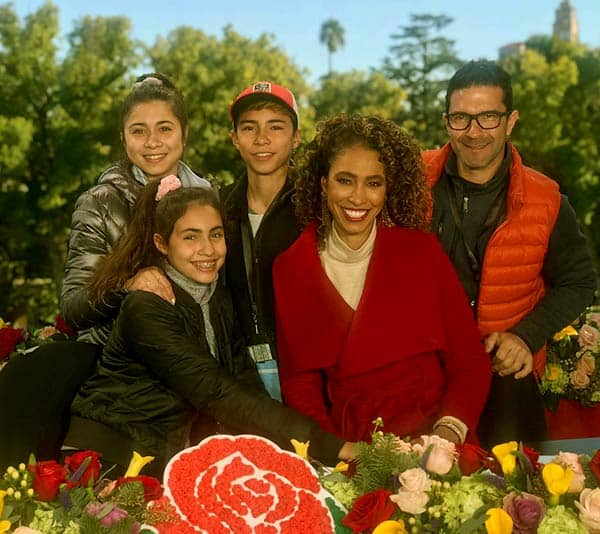 Image of Sage Steele with her husband Jonathan Bailey and with their kids Nicholas Bailey (son), Quinn Bailey (daughter), Evan Bailey (daughter)