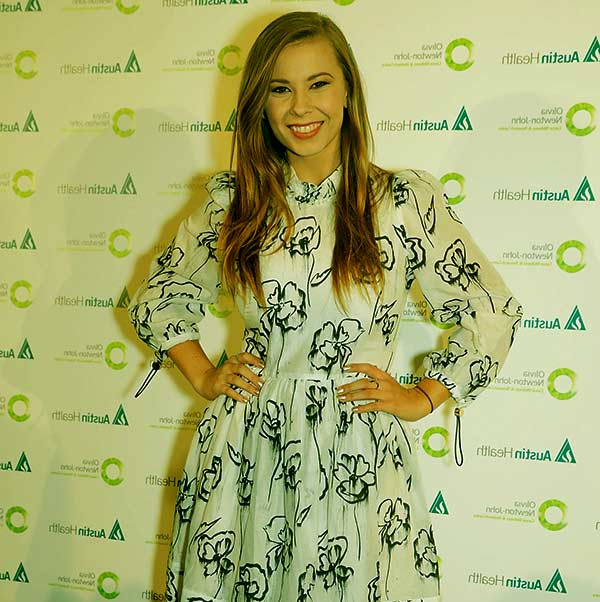 Image of TV Personality, Bindi Irwin height is 5 feet 2 inches