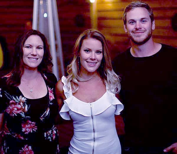 Image of Caption: Amanda with her brother Mike Jr and sister Sherry