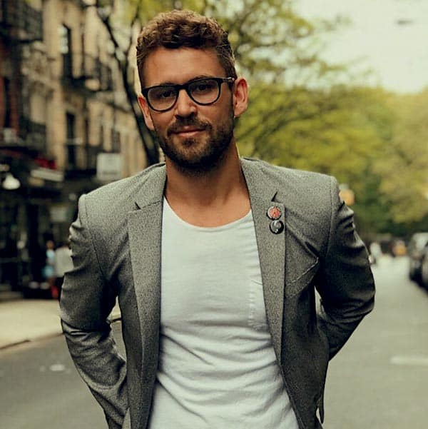 Image of Caption: TV star, Nick Viall net worth