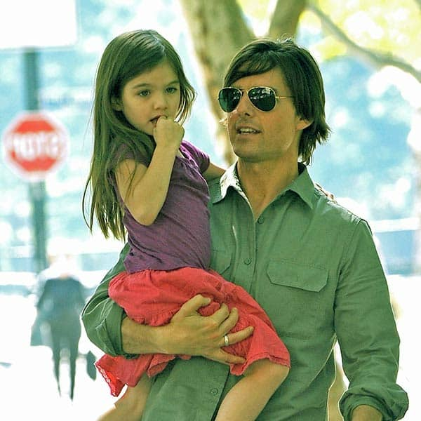 Image of Tom Cruise with his biological daughter Suri Cruise